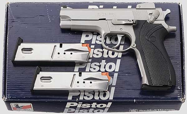 Smith & Wesson Mod. 5906, im Karton