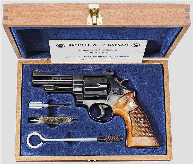Smith & Wesson Mod. 29-2 im Kasten