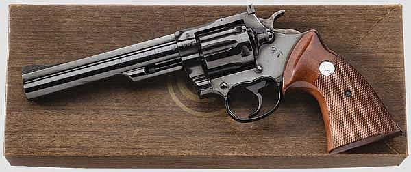 Colt Trooper Mk III, im Karton