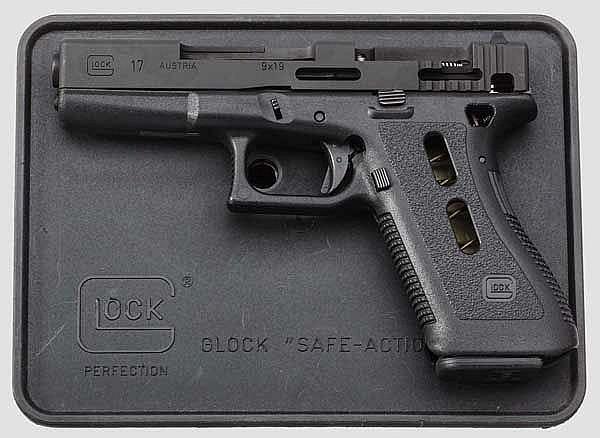 Glock Mod. 17, Werksschnittmodell, in Box