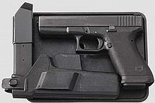 Glock Mod. 17, in Box, mit Holster