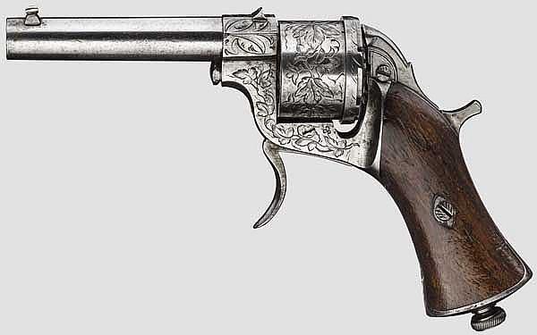 Unbekannter Revolver mit getrennter Trommel