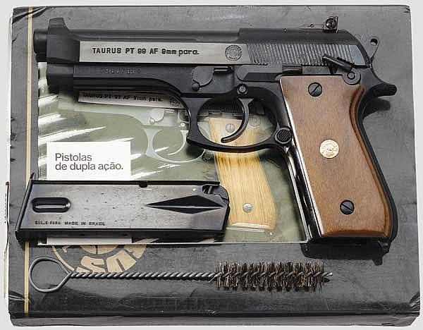Taurus PT 99 AF, im Karton