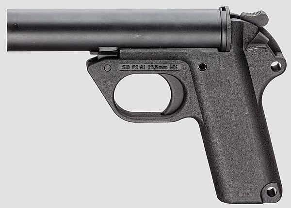 Signalpistole SIG P 2, Heckler & Koch, mit Halterung, Bundeswehr
