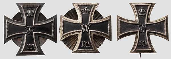 Drei Eiserne Kreuze 1. Klasse 1914 , zwei mit Schraubbefestigung
