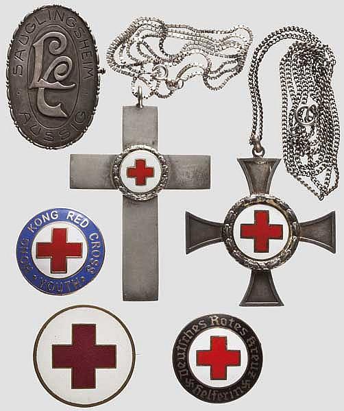 Rot-Kreuz-Auszeichnungen und Broschen