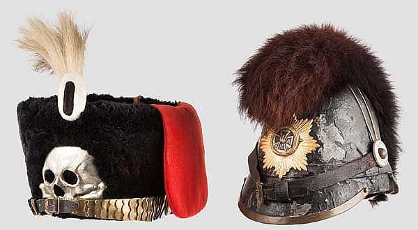Zwei Kopfbedeckungen als Sammleranfertigung