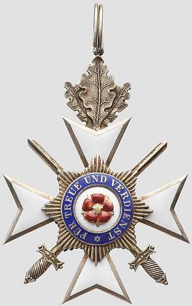 Fürstlich Lippischer Hausorden - Ehrenkreuz 2. Klasse mit Eichenlaub und Schwertern