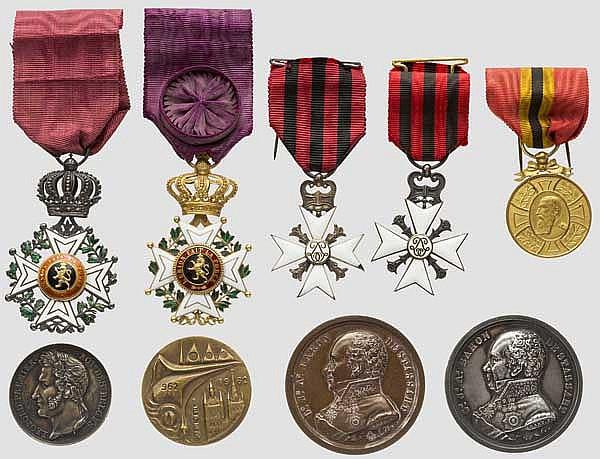 Auszeichnungsgruppe Leopoldsorden und Ehrenzeichen der Republik 1830 und vier Medaillen