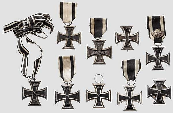 Eisernes Kreuz - Sammlung von neun Kreuzen
