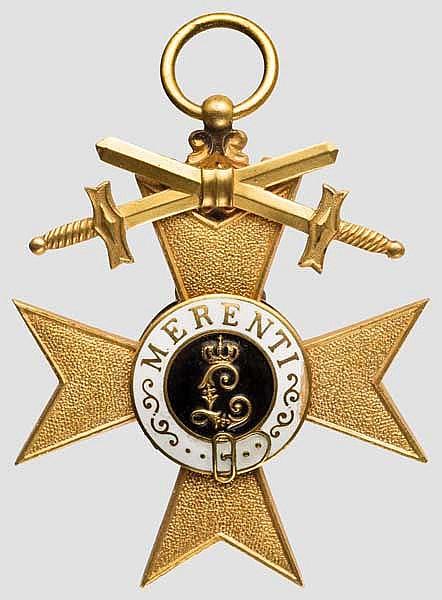 Militär Verdienst Kreuz 1. Klasse mit Schwertern im Etui und mit Urkunde