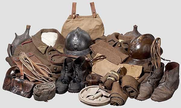 Große Gruppe Uniformteile und Ausrüstung, Frankreich, 2. Weltkrieg