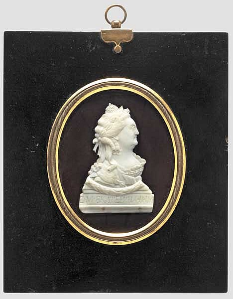 Tsarina Catherine the Great (1729 - 1796) - a miniature carved from ivory, Russia, last third of the 18th century
