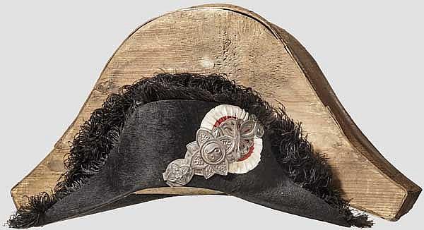 Zweispitz eines Beamten des Großherzogtums Toscana im Holzkoffer, um 1830