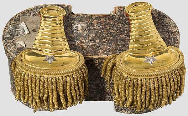 Ein Paar große Epauletten für Angehörige der Guardia Nobile, 19. Jhdt.