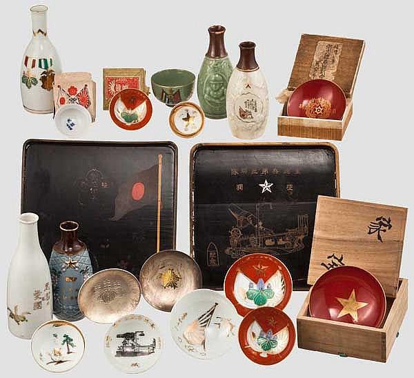 Gruppe von 20 Teilen Zeremonial-Geschirr Reiswein (Sake), 1. Hälfte 20. Jhdt.