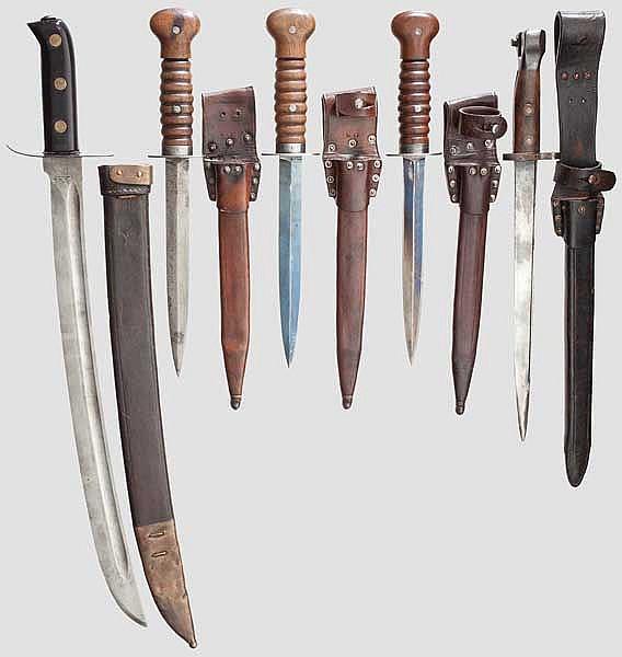 Fünf Blankwaffen