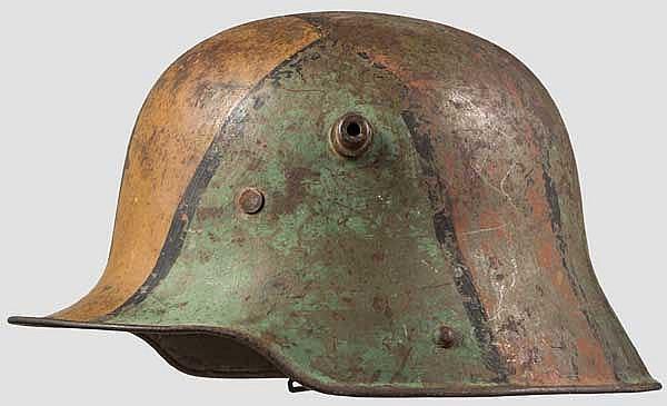 Stahlhelm M 1916 mit Mimikry-Tarnanstrich
