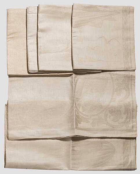 Sechs Handtücher mit Zeppelin-Darstellung