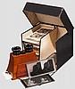 Stereoskop-Apparat mit Stereobildern, im Aufbewahrungskasten