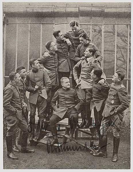 Manfred von Richthofen (1892 - 1918) - Originalunterschrift auf Zeitungsfoto