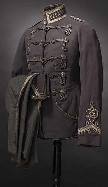 Feldgraue Attila und Hose der Friedensuniform M 1915 eines Leutnants im Husaren-Regiment Fürst Blücher von Wahlstatt (Pommersches) Nr. 5