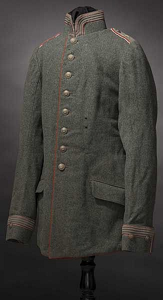 Waffenrock M 1910 eines Oberleutnants im 2. Kürassier Regiment