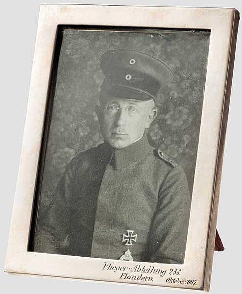 Hermann Frenken - Portraitfoto in Silberrahmen