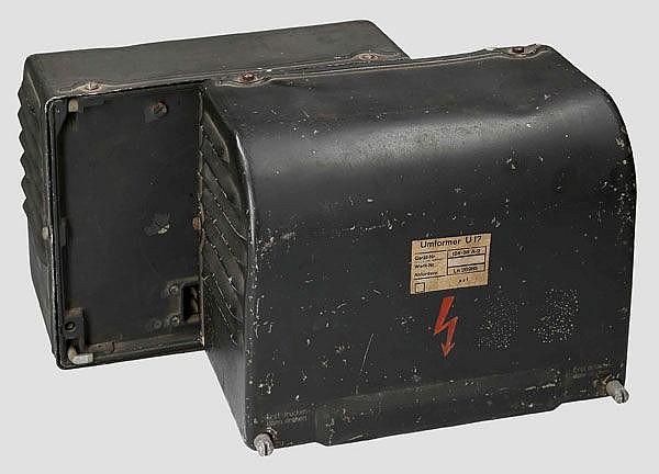 Zwei Umformer U. 17 für das Bordfunkgerät FuG 16