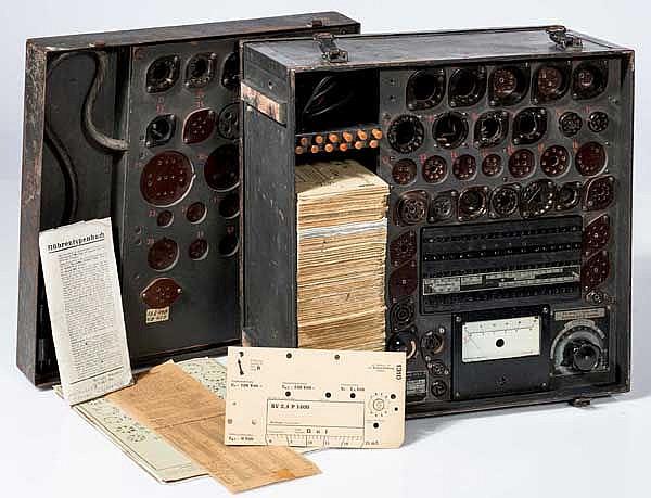 Röhrenprüfgerät RPG4 der Luftwaffe