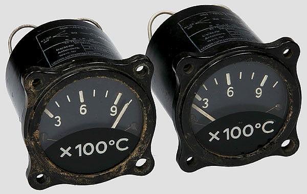 Zwei elektrische Temperaturanzeigen für Strahlflugzeuge, z.B. für Me 262
