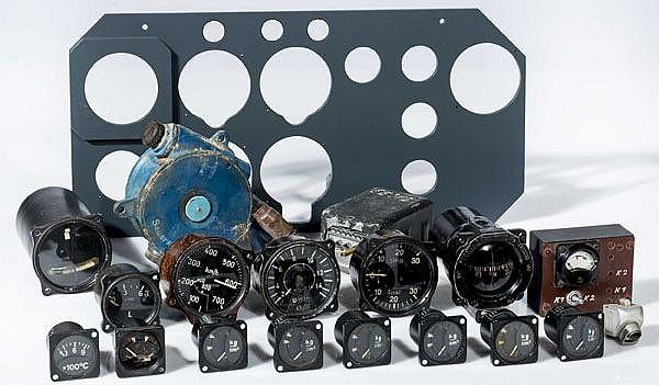 Teilesammlung für ein Gerätebrett einer Heinkel He 162