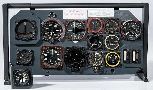 Gerätebrett einer Heinkel He 162