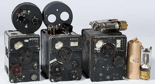 Sender und Empfänger der Fl-Bordfunkanlage FuG 16