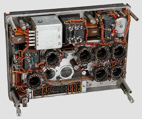 Röhrengerät RG 10a der Fl.-Funkanlage FuG 10