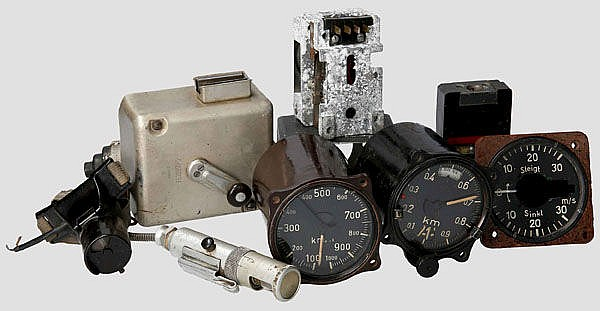 Teilesammlung für ein Gerätebrett/Cockpit einer Messerschmitt Me 262