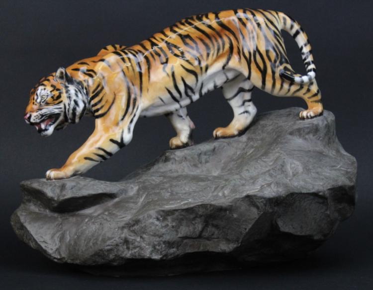 LARGE Royal Doulton Tiger on Rock Porcelain Statue Figurine HN 2639