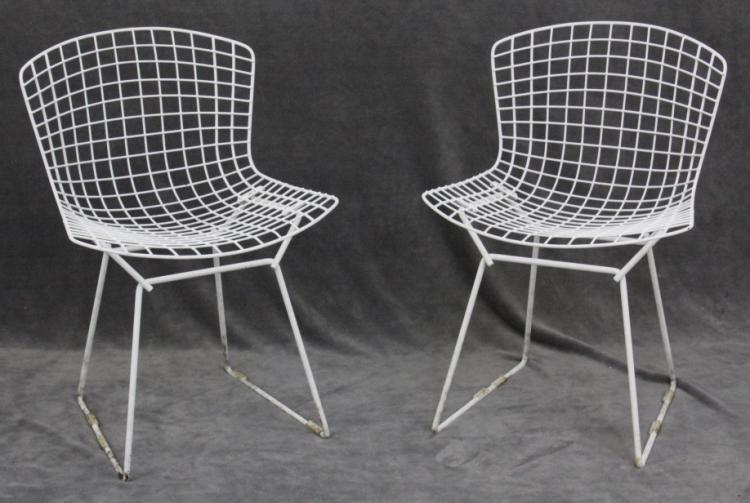 Pair of Vintage Modernist Harry Bertoia Open White Wire Modern Chairs