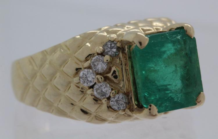 Ladies 14k Gold 2.65 Carat Colombian Emerald Ring
