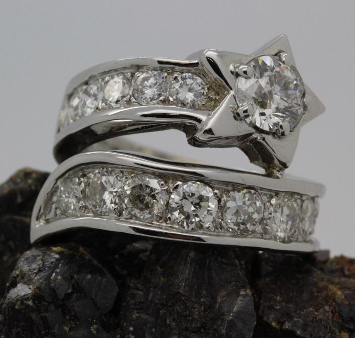 Designer Style 14k White Gold 2.5 Ct Tw Diamond Ring Size 5 8.7g