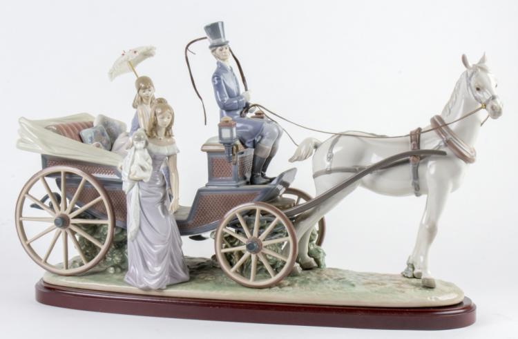 Lladro Landau Carriage #1521 Porcelain LG Figurine