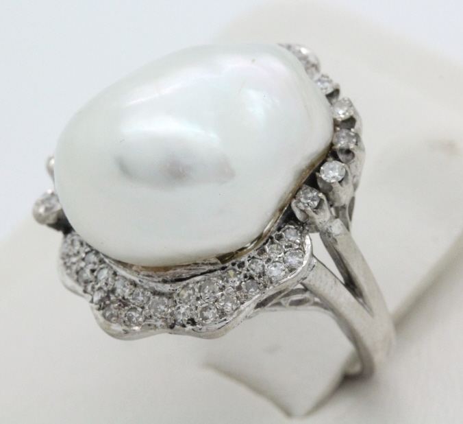 Signed KF 18k White Gold Diamond & Pearl Ring 6.5