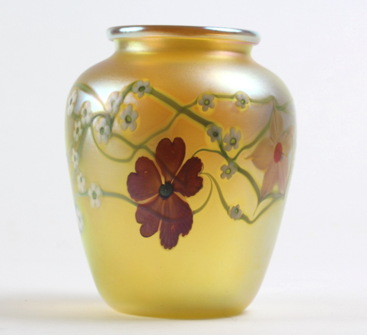 ORIENT FLUME Iridescent Flower Vine Art Glass Vase