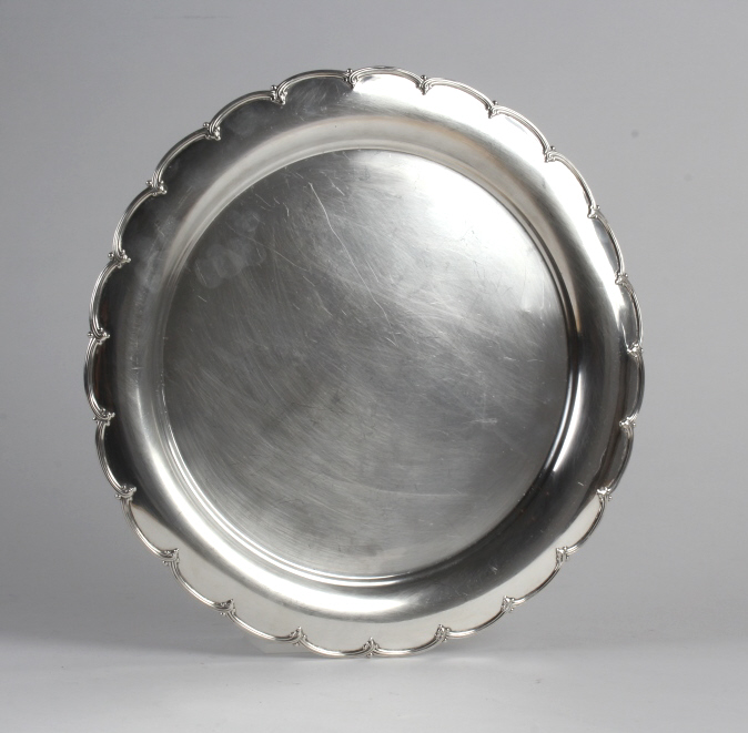 Tiffany & Co Sterling Silver Scalloped Tray 852gr.