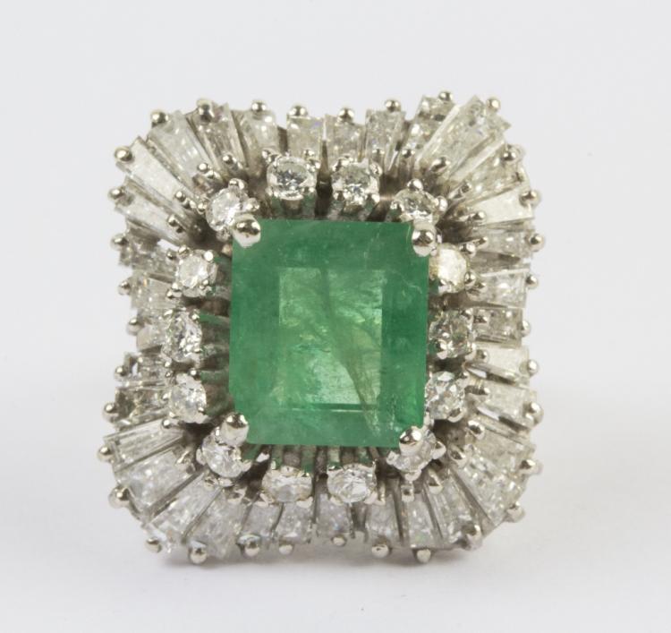 FINE 14k White Gold 5 Ct TW Diamond & Emerald Ring