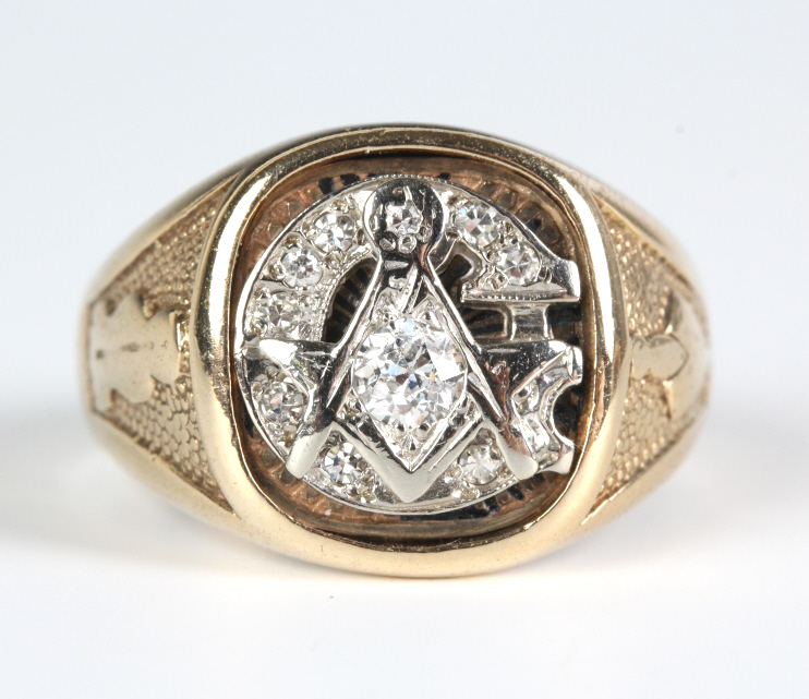 Estate 10k Gold & .65ctw Diamond Masonic Ring