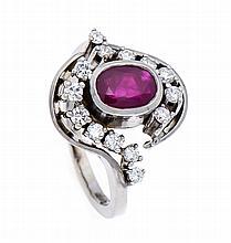 Rubin-Brillant-Ring WG 585/000 mit einem oval rund fac. Rubin 7 - 5 mm in sehr guter Farbe und 14 Brillanten, zus. 0,24 ct W/SI, RG 55, 7,9 g