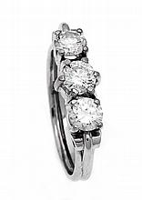 Brillant-Ring WG 585/000 mit 3 Brillanten, zus. 1,3 ct TW/VVS-SI, RG 56, 4,0 g