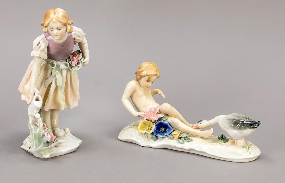 Two figures, Ens, Volkstedt, T