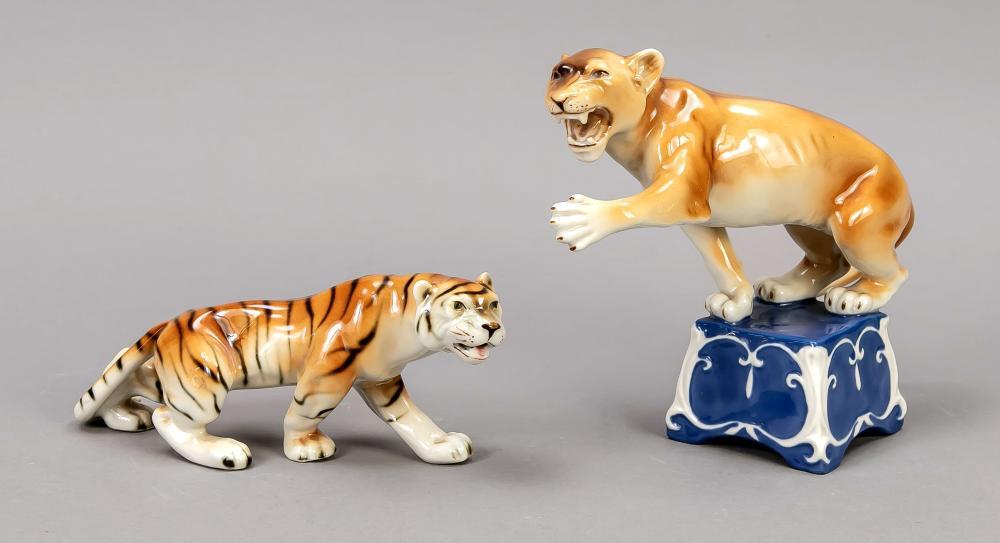 Two cats of prey, Royal Dux, B